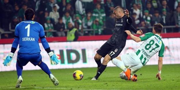 Beşiktaş, Konyaspor'u Burak Yılmaz'ın golü ile geçti!