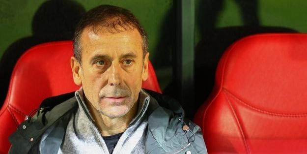 Beşiktaş Teknik Direktörü Abdullah Avcı: Taraftarlardan özür diliyoruz