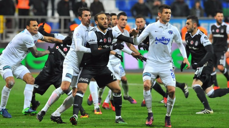 Beşiktaş zorlu virajda! Muhtemel 11'ler
