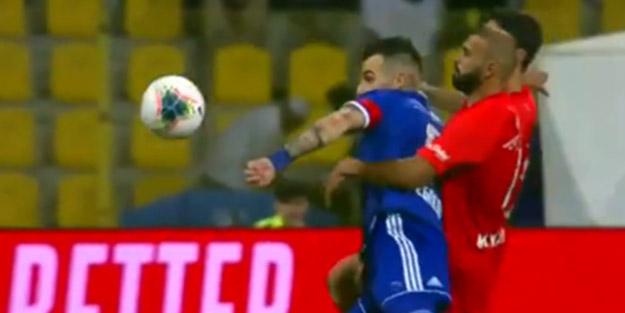 Beşiktaş'ın eski golcüsü 6.saniyede fileleri sarstı spiker çılgına döndü!