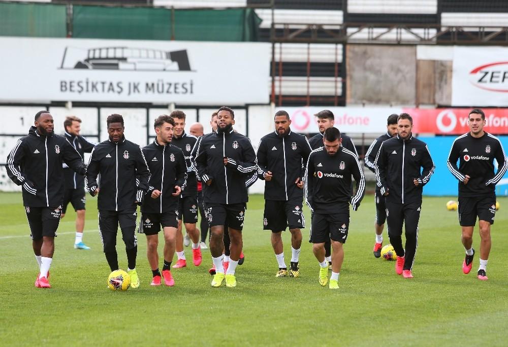 Beşiktaş'ta futbolculara mesaj gitti: