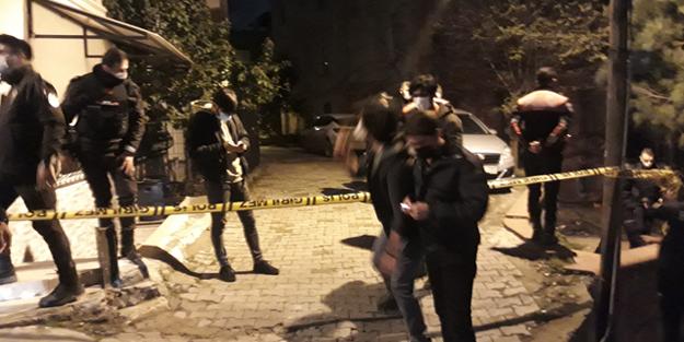 Beyoğlu'nda sokak ortasında silahlı kavga: 2 yaralı