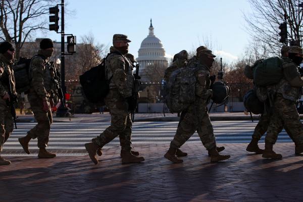Biden 25 bin askerle Beyaz Saray'da