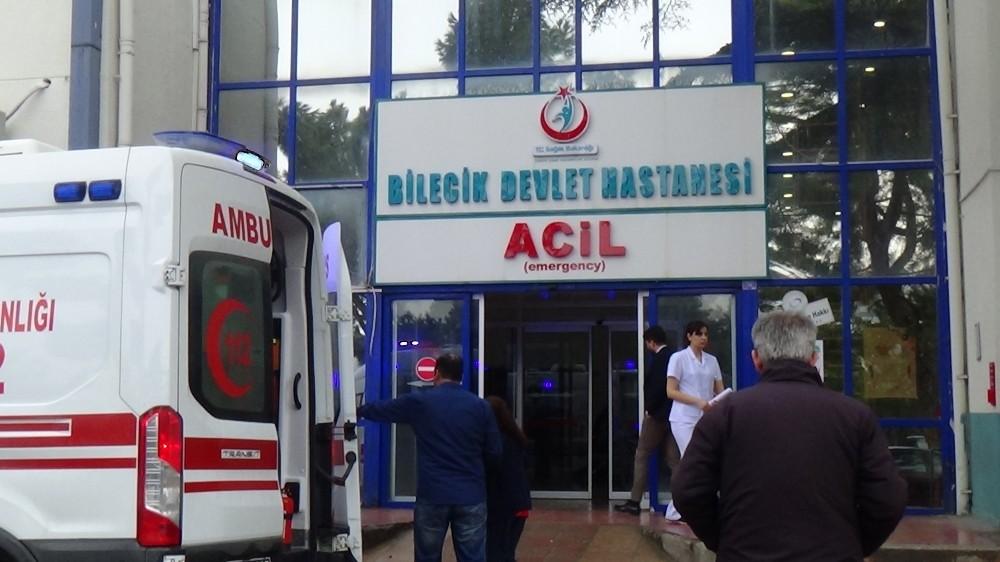 Bilecik'te trafik kazası, 2 kişi yaralandı