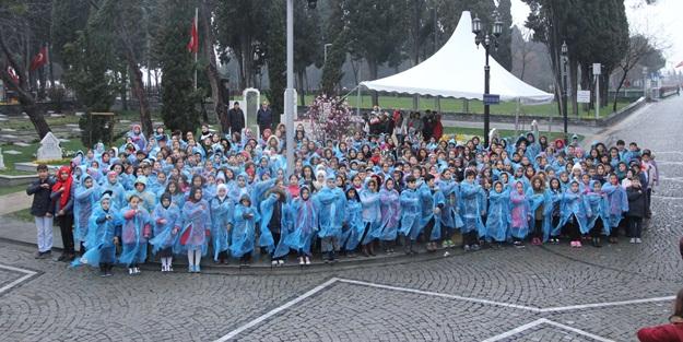 Bilgi evi öğrencileri Çanakkale Türküsü'nü seslendirdi