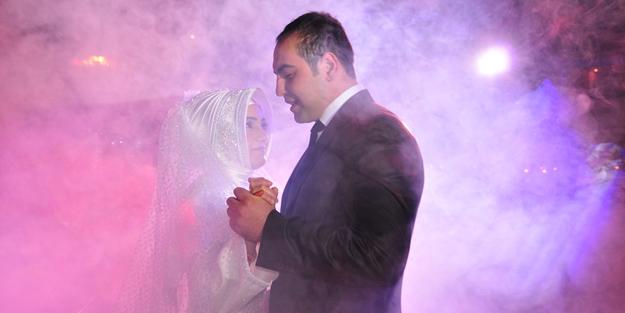 Bilim Kurulu Üyesi Tevfik Özlü'den düğün açıklaması