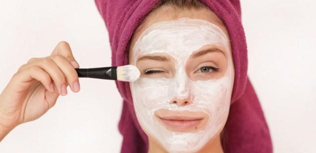 Bir kase yoğurt bakın saçınızı ve cildinizi ne hale getiriyor!