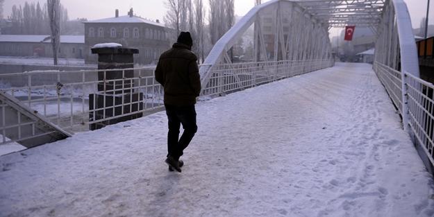 Bir kentimiz buz tuttu! Termometreler -21 dereceyi gördü