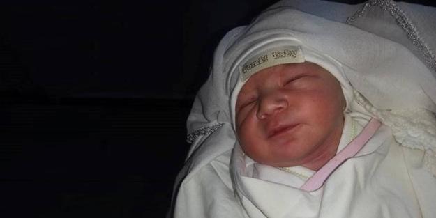 Bir Müslüman, yeni doğan bebeğine nasıl isim koymalı?