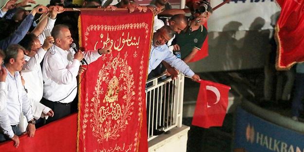 """""""Bir olduk, iri olduk, diri olduk, birlikte Türkiye olduk"""""""