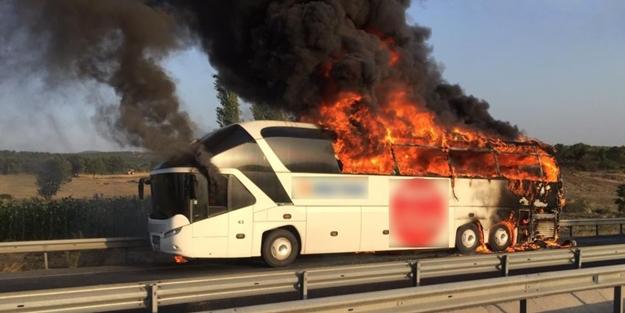 Bir otobüs yangını da Manisa'da!