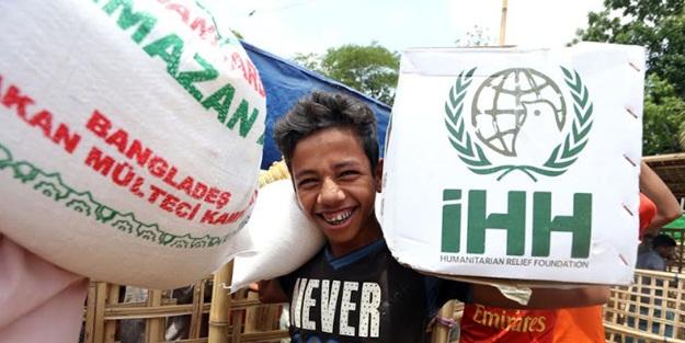 Bir yılda 1 milyonu aşkın Arakanlı'ya yardım