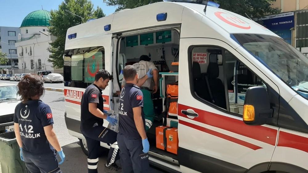 Bisikletin çarptığı belediye görevlisi yaralandı