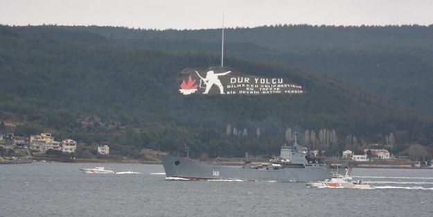 Boğaz'dan geçen Rus savaş gemisinde dikkat çeken görüntü