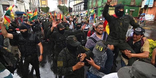 Bolivya'da Başbakan istifa etmişti! ABD'den darbeyle göreve gelen şahsa tebrik