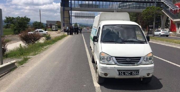 Bolu'da kamyonetten düşen belediye işçisi hayatını kaybetti
