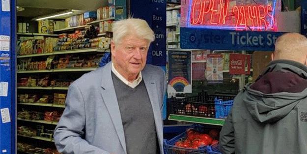 Boris Johnson'ın babasına maske cezası