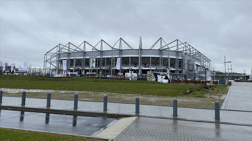 Borussia Mönchengladbach-Köln maçı koronavirüs nedeniyle seyircisiz oynanacak