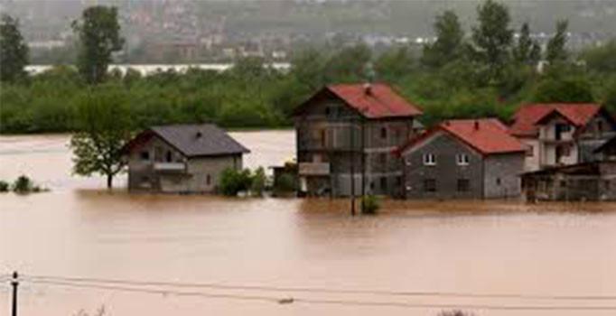 Bosna Hersek ve Hırvatistan'ı sel bastı