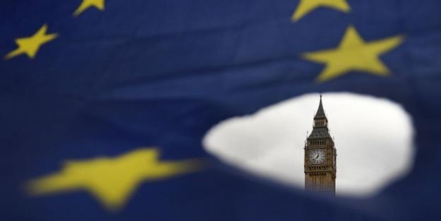 Brexit yasa tasarısı İngiliz Parlamentosu'nda kabul edildi