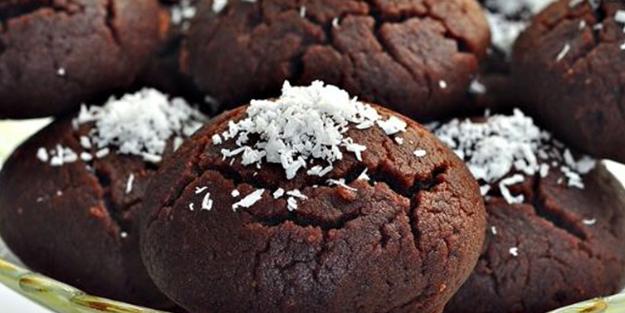 Browni ıslak kurabiye nasıl yapılır? Islak kek tadında şerbetli kurabiye tarifi