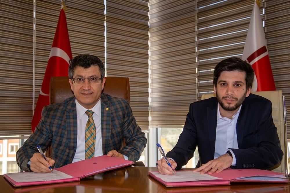 BŞEÜ ile bir dil kursu arasında iş birliği protokolü imzalandı
