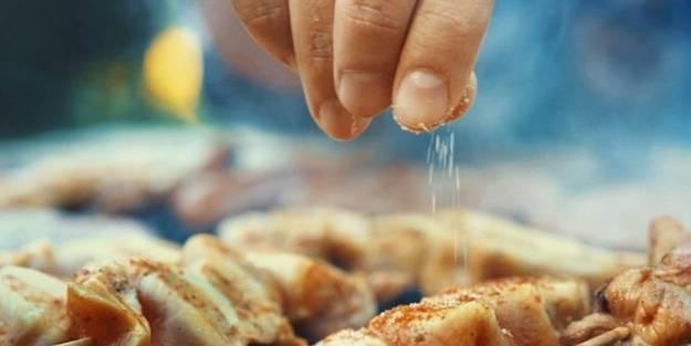 Bu besinler damarlarınızı kurutuyor! Evinize bile sokmayın