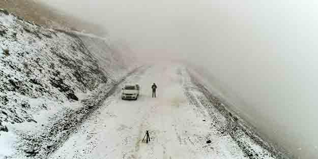 Bu fotoğraf bugün Türkiye'de çekildi! Mevsimin ilk karı lapa lapa yağdı