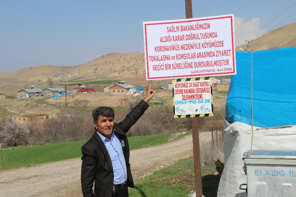 Bu köyde tokalaşma ve komşu ziyareti durduruldu