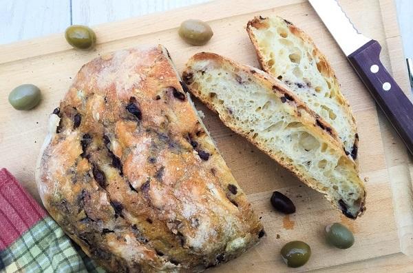 Bu tarif damaklarınızı şenlendirecek: Zeytinli ekmek