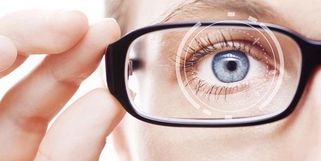 Bu yöntemle siz de gözlüklerinden kurtulun!