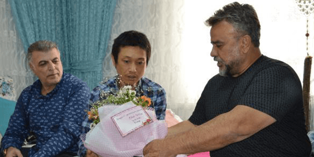 Bülent Serttaş bıçaklanan Japon turisti ziyaret etti! Özür notundaki hata gündem oldu