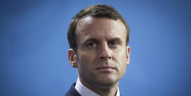 Burhan Kuzu'dan Macron'a olay gönderme! 'Gerçekten kaşınıyordu'