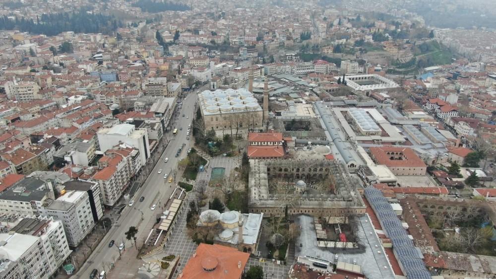 Bursa Ulucami ile UNESCO Dünya Miras listesindeki Tarihi Çarşı ve hanlar havadan böyle görüntülendi