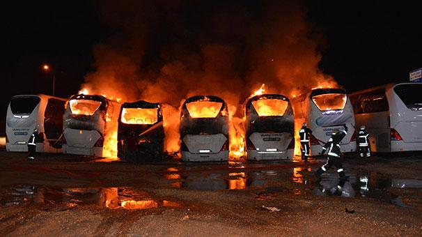 Bursa'da 6 otobüsün kül olduğu yangının çıkış nedenini bilirkişi belirleyecek