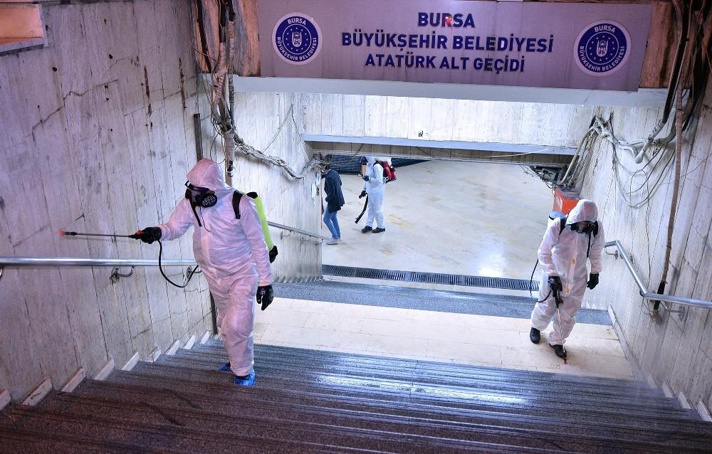 Bursa'da çarşılar,alt geçitler ve müzeler dezenfekte ediliyor