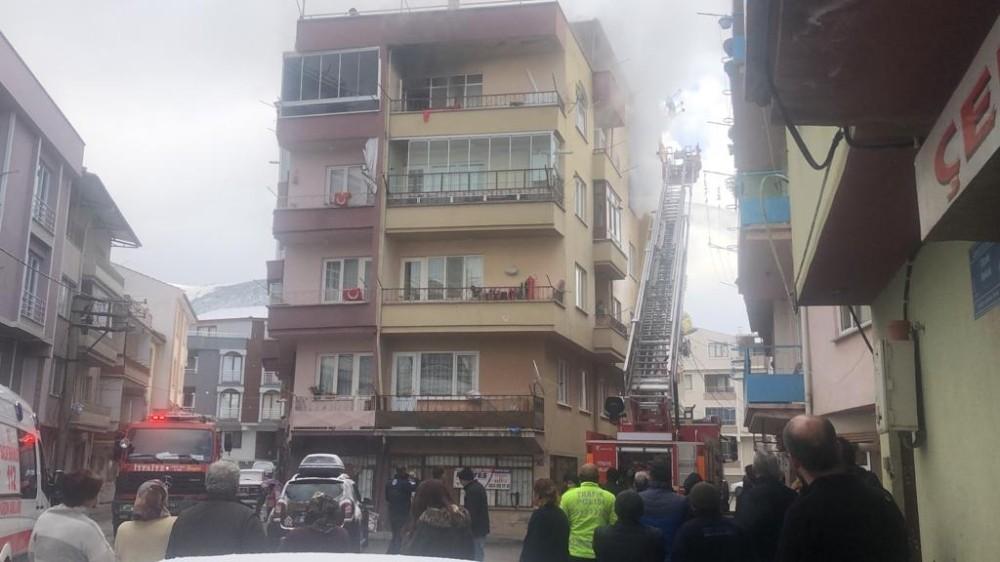 Bursa'da ev yangını korkuttu