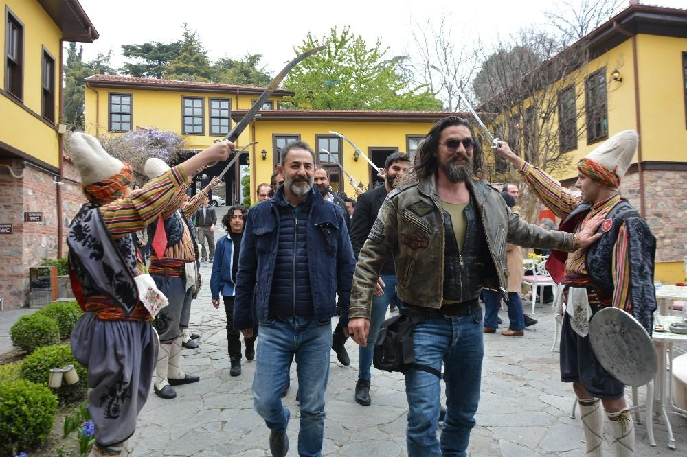 Bursa'da fetih şenliklerinde Diriliş izdihamı