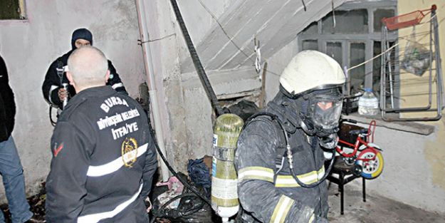 Bursa'daki feci yangında baba ile kızı can verdi