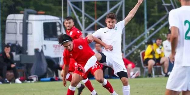 Bursaspor hazırlık maçında Samsunspor'a yenildi