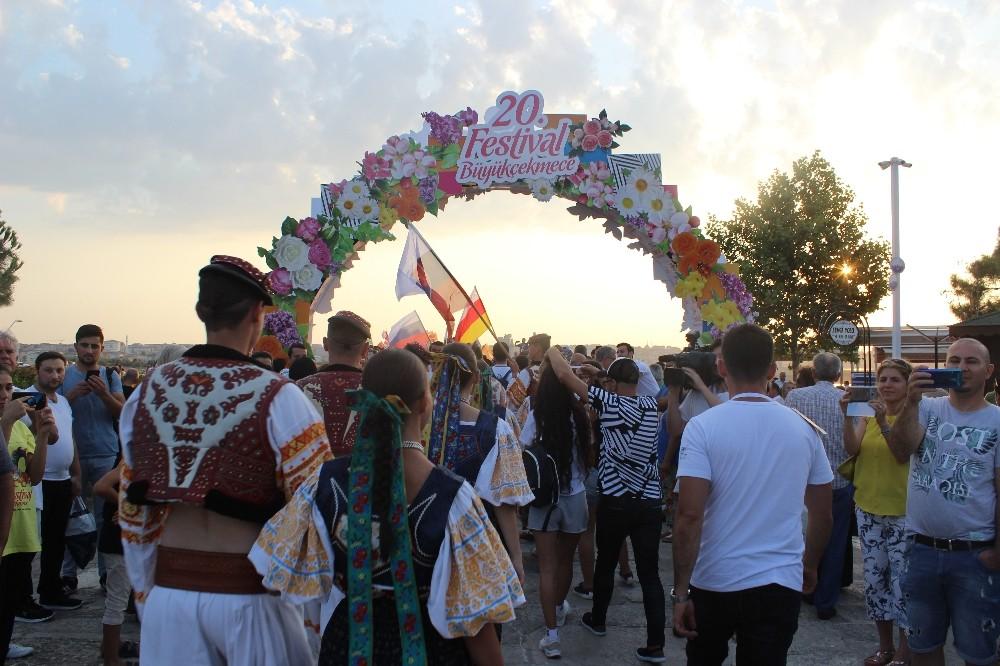 Büyükçekmece Uluslararası Kültür ve Sanat Festivali'nin resmi açılışı yapıldı