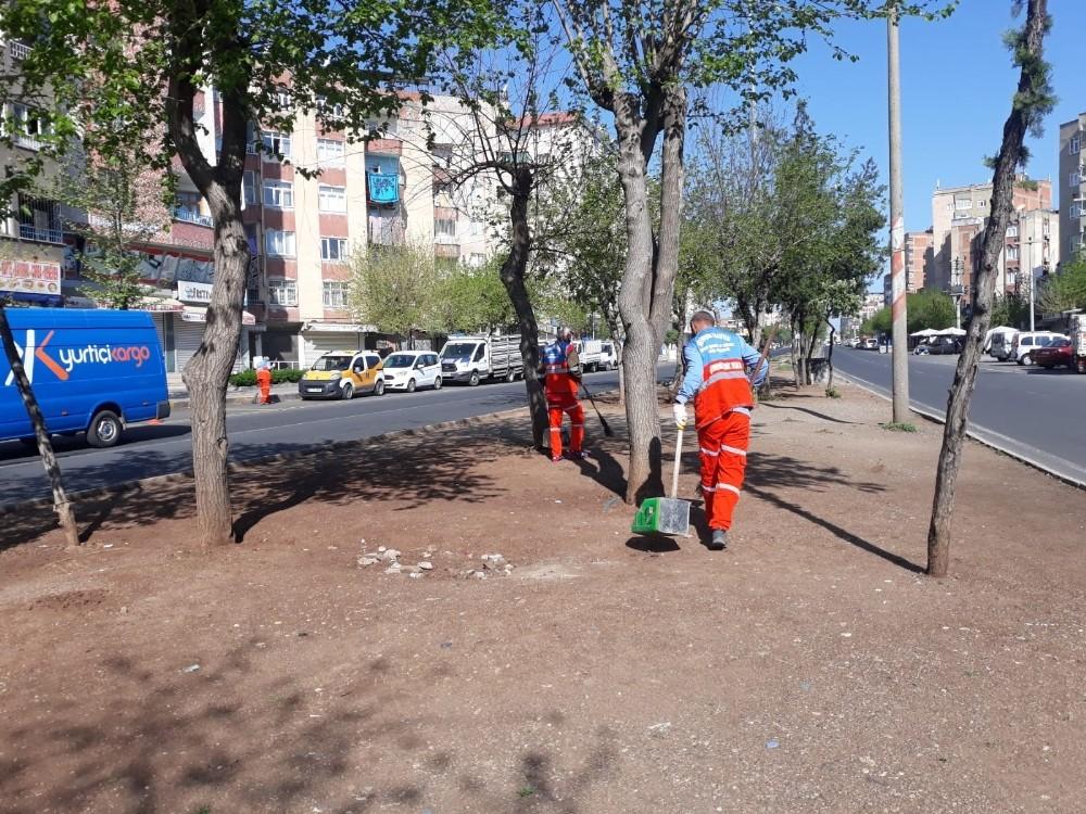 Büyükşehir Belediyesi kent genelinde çalışmalarını sürdürüyor