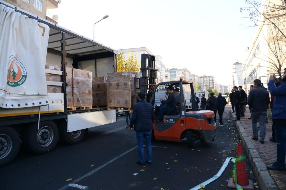 Büyükşehir Belediyesinden 5 bin aileye gıda yardımı