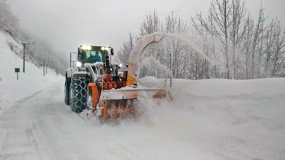 Büyükşehir Kar Timleri karla mücadeleye hazır