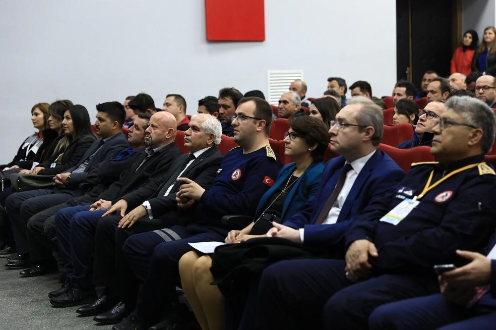 Büyükşehir personeline deprem eğitimi verilmeye başlandı