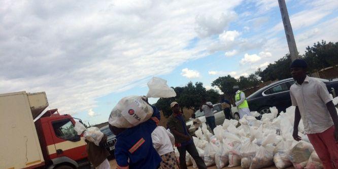 TİKA'dan Zimbabve'ye gıda desteği