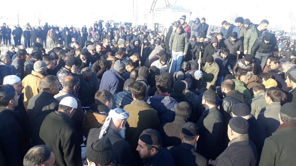 Çaldıran Belediye Başkanı Ensari'nin acı günü