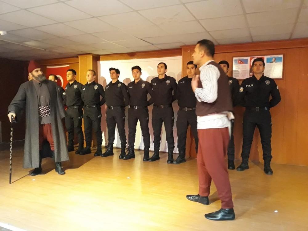 Çaldıran'da 18 Mart Şehitleri Anma Günü ve Çanakkale Zaferi'nin 104. yıldönümü