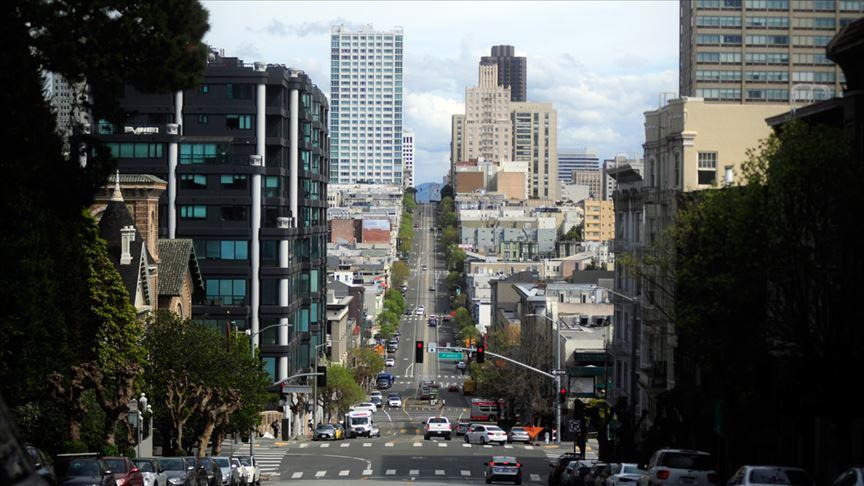 California 8 hafta içinde nüfusunun yüzde 56'sının korona virüsünden etkileneceğini öngörüyor