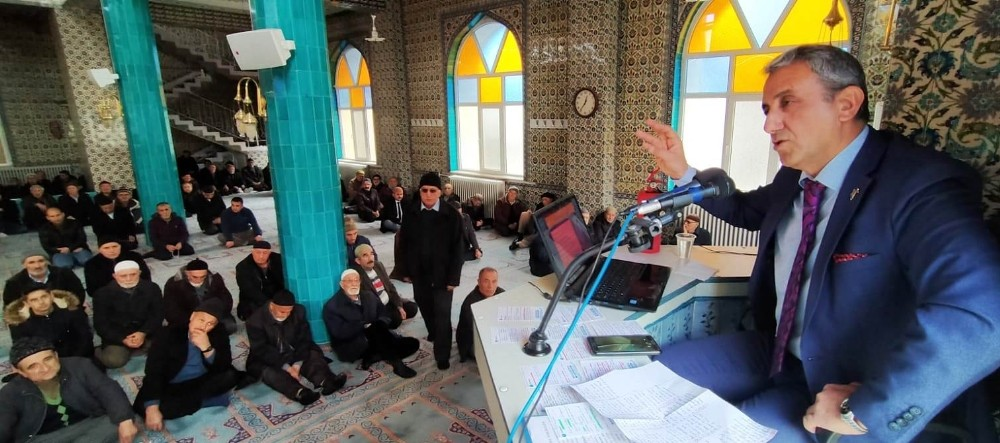 Cami cemaatine vaaz yerine deprem semineri verildi